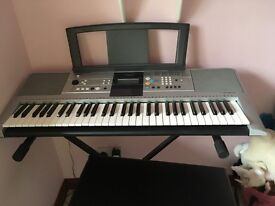 Yamaha Keyboard Model PS E323