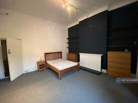 1 bedroom in Holloway Road, London, N7 (#1043823)