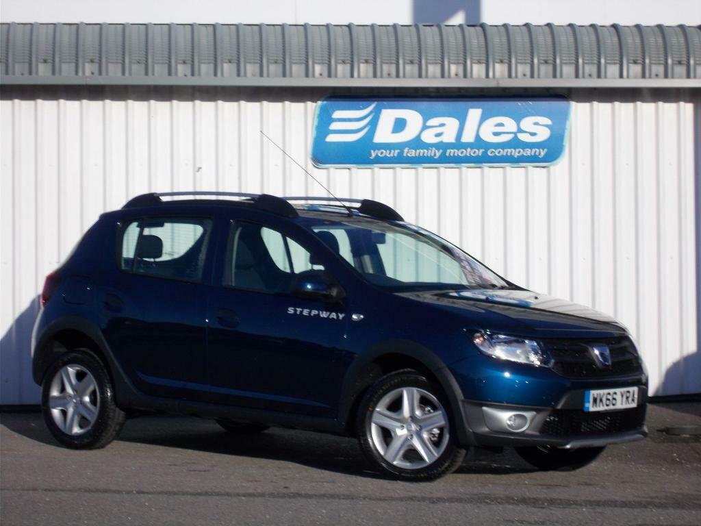 dacia sandero stepway 1 5 dci ambiance 5dr hatchback cosmos blue 2016 in newquay cornwall. Black Bedroom Furniture Sets. Home Design Ideas