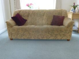 Beadle & Crome 3 seater and 2 seater sofa suite