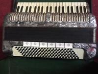 Hohner tango 4 voice musette accordion