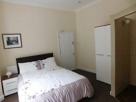 room to let in lovely refurbished house on Spring Bank West in Hull