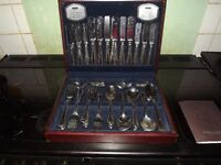 viners 88 peice cutlery set