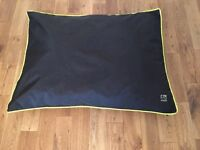 Three Peaks Large Dog Bed / Mattress