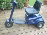 Patterson trio ride on golf buggy good condition good batteries comes with trailer