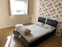 Room let flat share with balcony Bethnal Green Aldgate Docklands City Whitechapel Zone 2