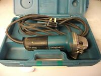 MAKITA 240 VOLT GRINDER USED CONDITION GENUINE REASON FOR SALE PLEASE READ ADD FULLY