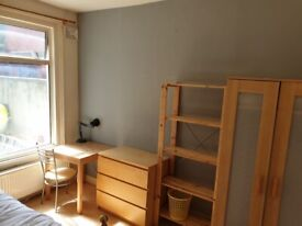 ALL BILLS INCLUDED.. LOVELY DOUBLE ROOM AVAILABLE 1st June IN HARRINGEY, N4 1LE..£595pcm