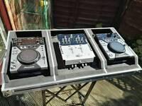 CDJ400s and Numark Mixer