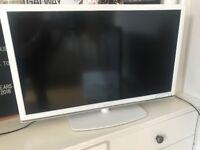 """Sandstrom 32"""" LED HD TV (White)"""
