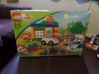 Lego Duplo Zoo Age 2 - 5