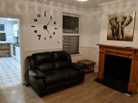 3/4 Bedroom House - South Luton - LU1 - Close walk to University/Town Centre/Train Station
