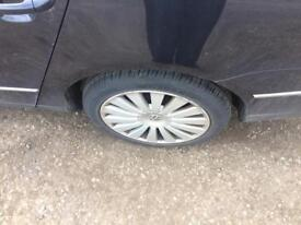 vw passat alloy wheels 235/45/17 excellent tyres
