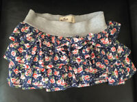 Hollister Skirt Size Small **Brand new, never worn**