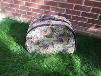 Tapestry Suitcase vintage Good Condition