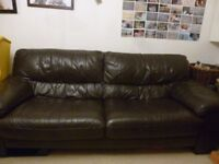 CHOCOLATE BROWN LEATHER 3+2 SEATER LEATHER SOFAS - MUST GO ASAP - CHEAP DELIVERY - £275