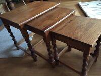 Nest of 3 oak coffee tables