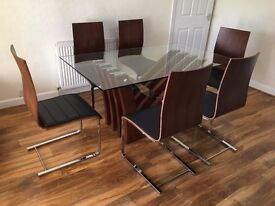Dining table with 6 chairs - Modern - LOCAL DELIVERY & OUTSKIRTS POSSIBLE.