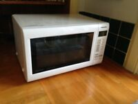 Microwave combi with grill and fan oven. White, Panasonic Slimline NN-CT552W