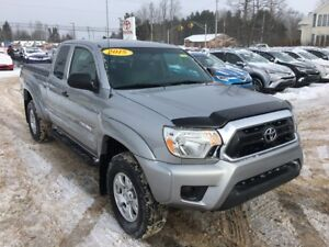 2015 Toyota Tacoma 4WD V6 ONLY $285 BIWEEKLY WITH $0 DOWN!
