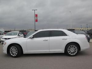 2014 Chrysler 300C AWD! V8! Leather! Sunroof! Luxury! London Ontario image 7