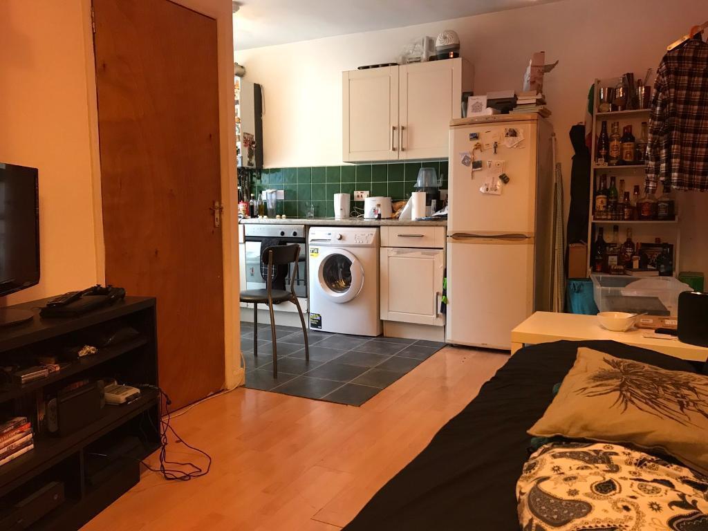 Amazing 3 bedroom flat in leytonstone 1300£ pm