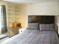 Double Room to let in Cottage in Market Town of Bingham.