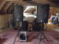 2 x 600w Class D speakers, stands and speakon cables