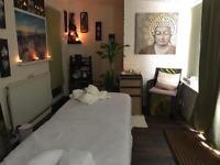 Kris Massage Therapist Professional Deep Tissue Thai massage Holistic Foot Reflexology Back neck