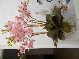 TWO GOOD QUALITY SILK FLOWER FLORAL ARRANGEMENTS IN VASES