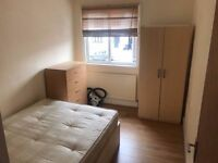 -STUNNING DOUBLE ROOM FOR SINGLE USE AVAILABLE NOW IN GOLDERS GREEN!-