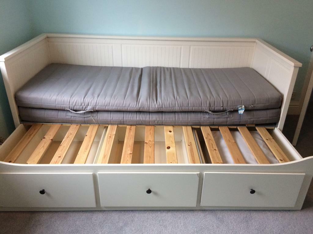 Ikea hemnes day bed in southville bristol gumtree for Ikea day bed