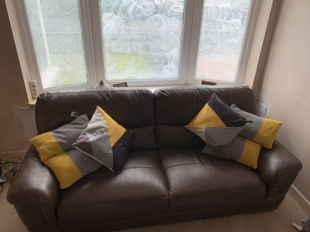 Three Seater Sofa In Rothwell West Yorkshire Gumtree
