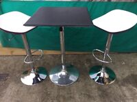 Bar Dining table and 2 barstools