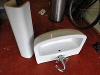 Pedestal Bathroom Sink (Mixer Tap included!)