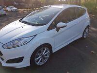 Ford Fiesta Zetec S EcoBoost white (MINT!!!)
