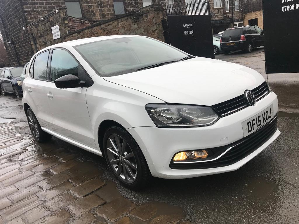 2015 volkswagen polo 1 0 design model bluemotion technology 30k mileage white 5 door bargain. Black Bedroom Furniture Sets. Home Design Ideas