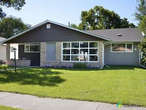 $469,900 - Bungalow for sale in Central River Heights
