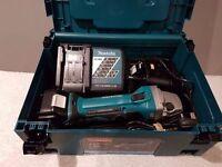 MAKITA DGA452RMJ 18V Cordless Li-Ion Angle Grinder (2x4Ah Battery gauges )