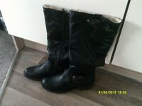 LADIES BOOTS BLACK SIZE 7 BRAND NEW NEVER WORN