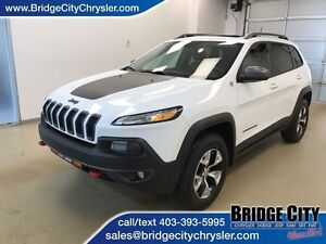 2014 Jeep Cherokee Trailhawk- Leather, Heated Seats, Panoramic S