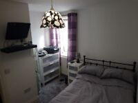 clean ensuite near connswater/ballyhackmore ready to movein
