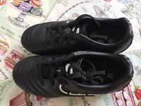 Boys Sondico Football Boots, Size 11