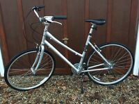 GIANT Ladies Town Bike - As New