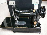 Vintage SINGER 222K Featherweight Sewing Machine Red S model + Embroidery loop 171074 + Ruffler +