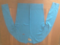 Hollister V-neck Icon Men's Jumper in Turquoise (Large) (never worn)