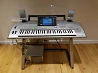 Yamaha Tyros 2 Electric Keyboard c/w Speakers & Stand