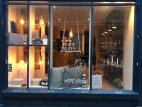 Part Time Sales Assistant Personalised Jewellery & Luxury Gift Boutique in Camden Passage N1
