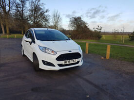 2015 Ford Fiesta Zetec S - Full service history from Ford / Manufacturers warranty / 16000 Miles