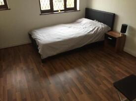 Newly renovated double rooms in the desirable area of the crofts - All bills included
